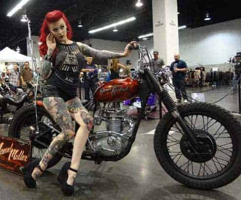 Chicks dig motorcycles! (HOT PHOTOS) | protothemanews.com |Custom Motorcycle Show Models
